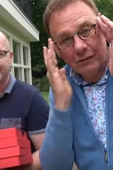 Vlog: Jan de Hoop krijgt zijn tv-brillen thuisbezorgd