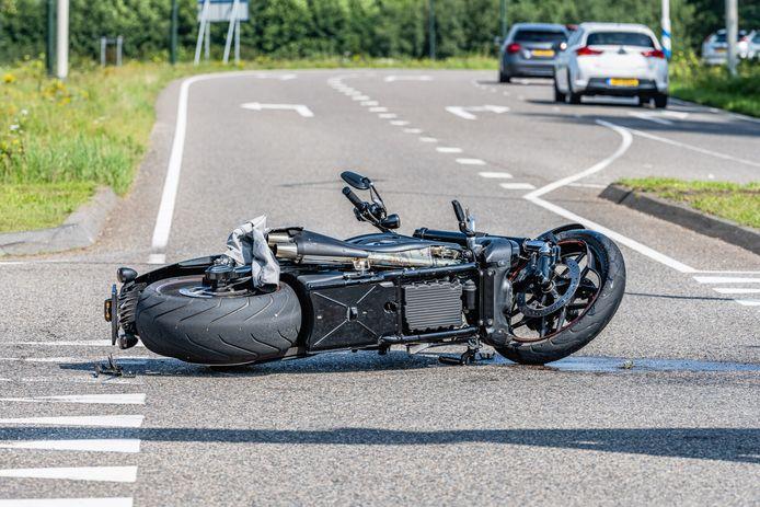 Ongeluk motorrijder en auto in Hilvarenbeek.