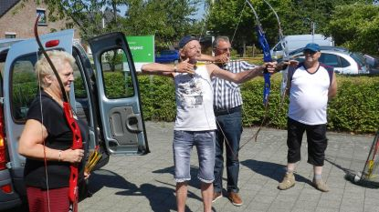 Senioren maken kennis met boogschieten