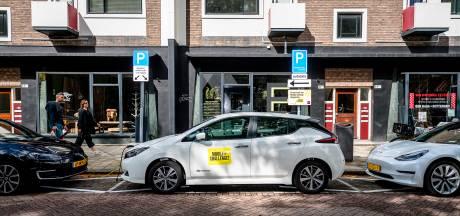 Rotterdam wil inwoners verleiden tot gebruik huurwagen: in 2030 moeten er 10.000 deelauto's zijn