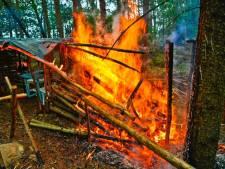 Bosburcht brandt af in Riethoven