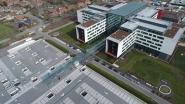 AZ Alma: 250 ton glas, 5.974 plantjes én 1.104 parkeerplaatsen
