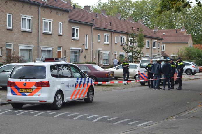 De technische recherche doet onderzoek naar de schietpartij in de Nijmeegse Niersstraat