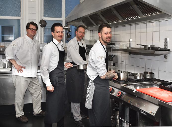 Eigenaar Michiel Kunst en de koks Bjorn Stoof, Jami de Ridder en Gio de Graaf.