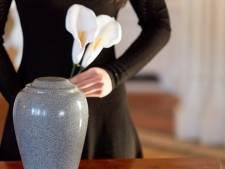 'Dode' Japanner duikt jaar na zijn crematie plots weer levend op
