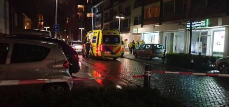 Persoon zwaargewond na val van balkon in centrum Hengelo: politie ter plaatse