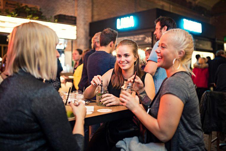 Bij 24Kitchen Festival kun je een gin-, wijn- of bierproeverij doen Beeld Foodhallen
