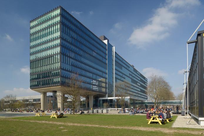 Hoofdgebouw Atlas van de TU/e Campus heeft de Dirk Roosenburg Architectuurprijs 2019 van de gemeente Eindhoven gewonnen.