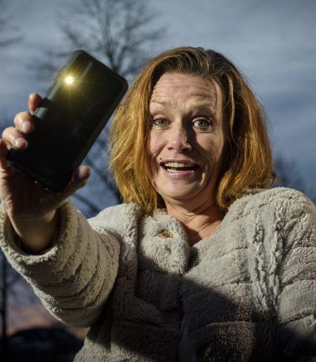 Niet knallend, maar knipperend met de lampen het nieuwe jaar in, zegt Zutphense