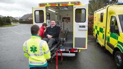 Vijf nieuwe ziekenwagens voor hulpverleners Noord-Limburg