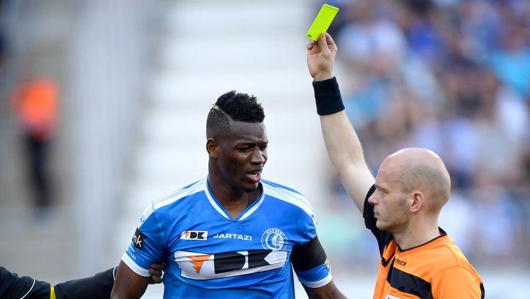 Kalifa Coulibaly kreeg slechts geel voor zijn overtreding op Ludovic Butelle.