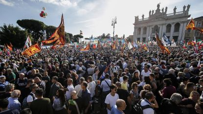 50.000 Italianen demonstreren in Rome tegen regering