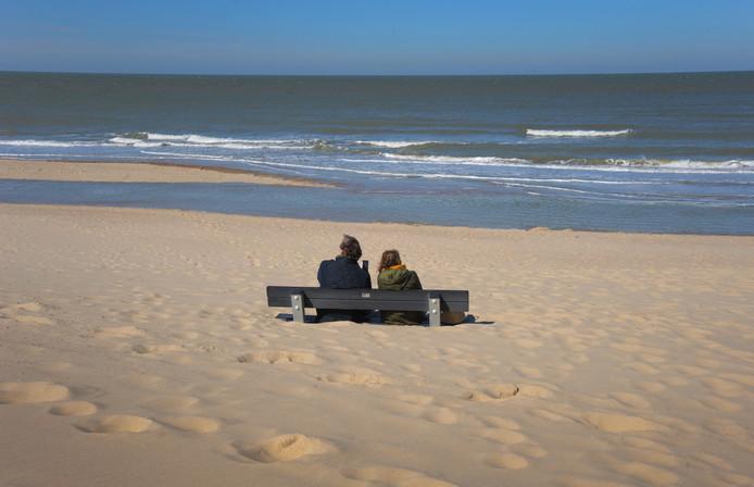 ldm22-03-2020 - Oostkapelle - stil strand / weinig mensen