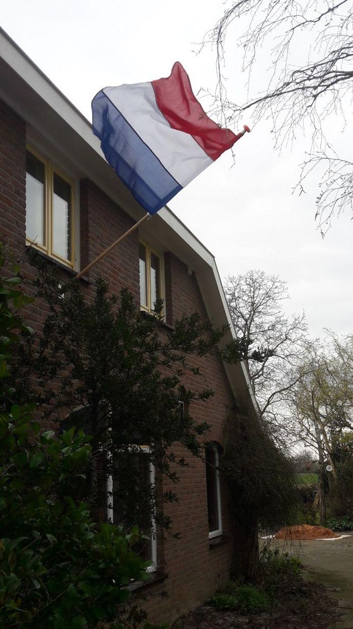 De vlag in Wehl van Bennie en Diny Harmsen