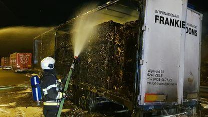 Oplegger met papier uitgebrand