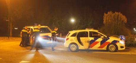 Onrustige avond in Bunschoten: politie grijpt in bij veel te druk tuinfeest en dronken jongeren schelden agenten uit