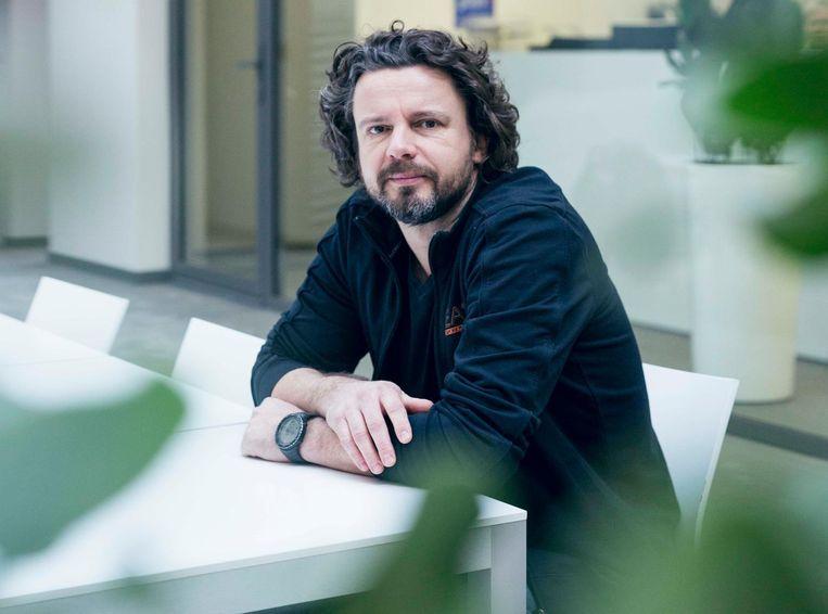 Roel Vandebeek haalde de innovatieprijs binnen voor zijn ontwerp van de baksteen 'Dubio'.