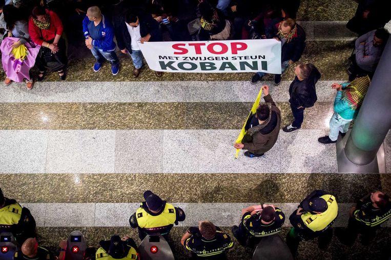 Koerdische demonstranten tegen IS eerder deze week in Den Haag. Beeld anp