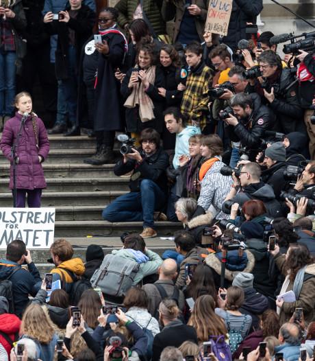 """""""Et 1, et 2, et 3 degrés"""": Greta Thunberg superstar à Lausanne"""