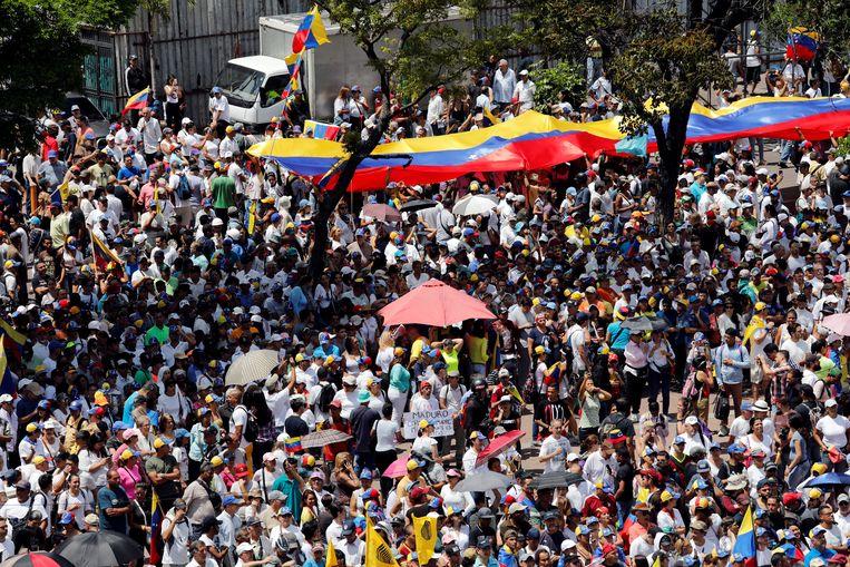 Aanhangers van Guaido kwamen in Caracas op straat om hem terug te verwelkomen.
