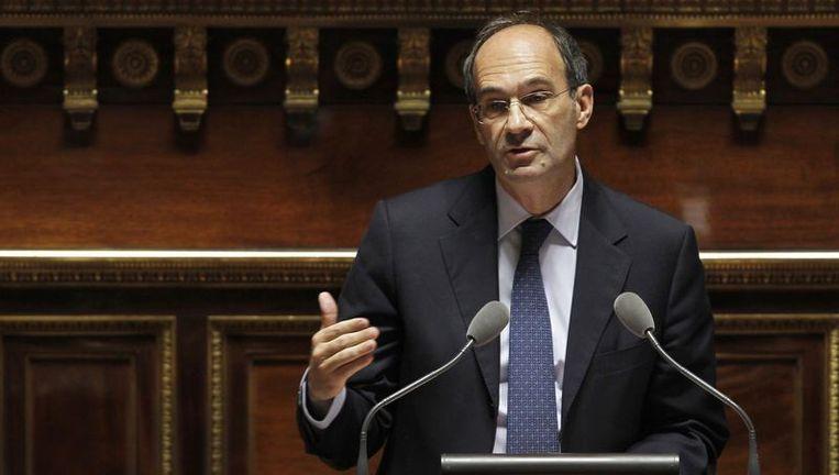 De Franse minister van Arbeid Eric Woerth spreekt in de senaat. Beeld reuters