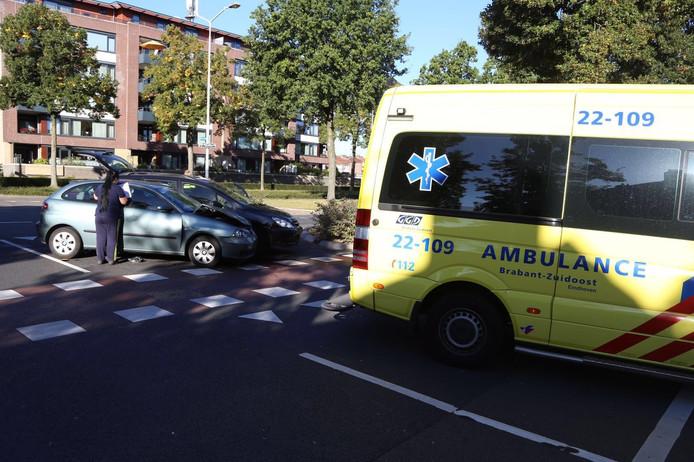 Botsing op Barrierweg in Eindhoven.