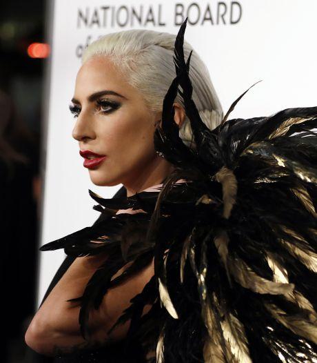 Lady Gaga biedt excuses aan voor duet R. Kelly