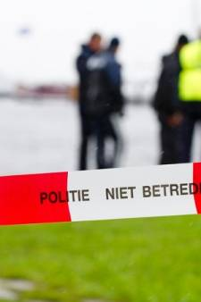 Vissers vinden dode man in water bij Lelystad