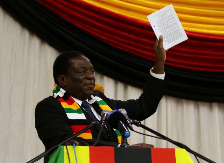 Zittend president Emmerson Mnangagwa kondigt de datum voor de verkiezingen aan in de Zimbabwaanse hoofdstad Harare.