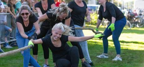 Touwtrekkampioenschap sportieve afsluiting van zomer in Hasselt: 'Bier is onze sportdrank'