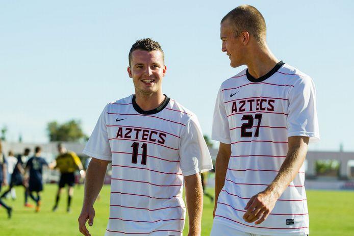 Thom van den Berg (links) met Jeroen Meefout als voetballer bij  San Diego State University.