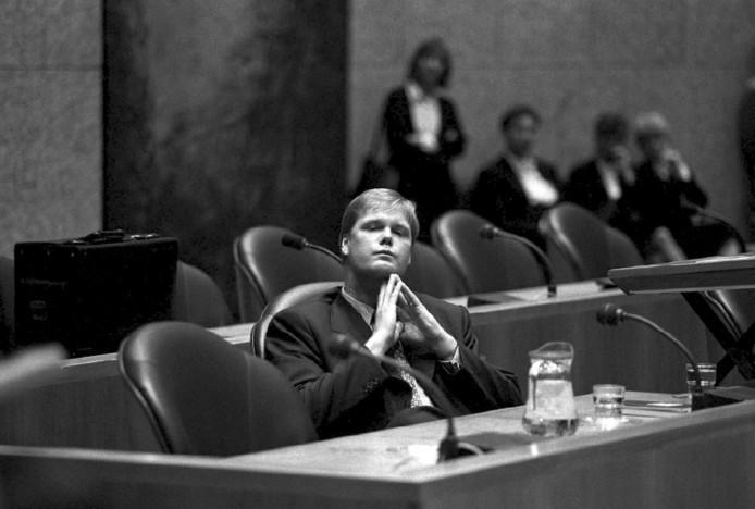 In 1996 trad Robin Linschoten af als staatssecretaris.