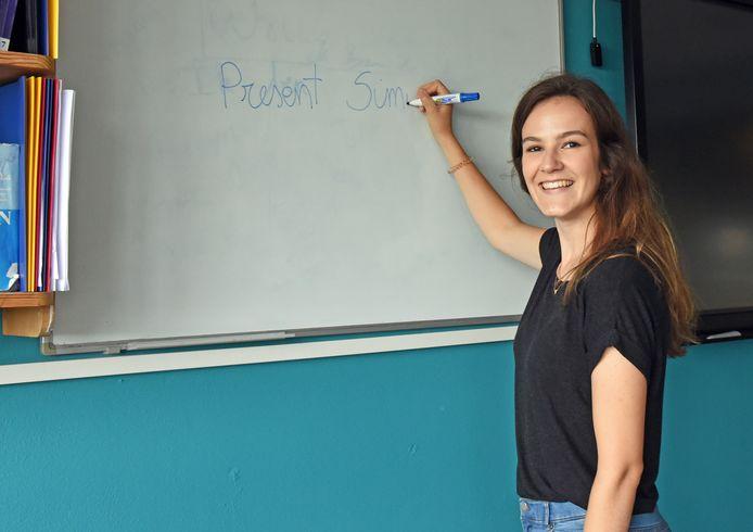 De Vlaamse lerares Sofie Emmaneel (21) geeft straks les op het Lodewijk College in Terneuzen.