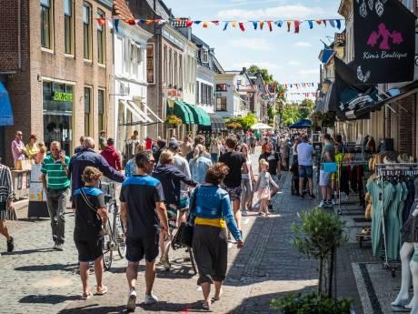 Confrontatie blijft uit tijdens illegale koopzondag in Elburg: 'Nu moeten we doorpakken'