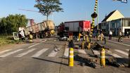 Steenweg plaatselijk afgesloten na spectaculair ongeval