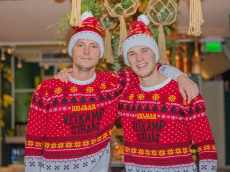 Foute kersttrui Go Ahead Eagles in teken van jarige Vetkampstraat