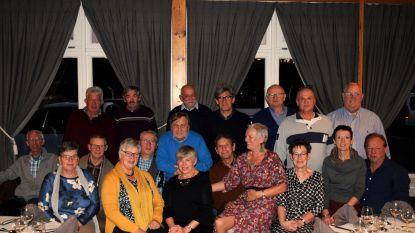 De 65-jarigen van Nieuwmoer vieren feest