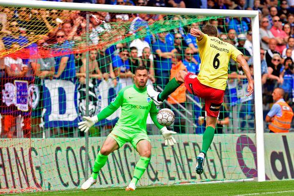 Lombaerts miste een goeie kans op de 1-0 tegen Genk.