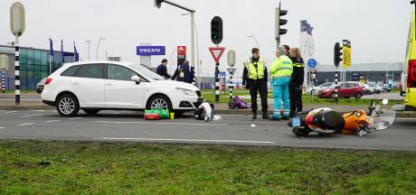 Scooterrijder gewond  na ernstig ongeval in Apeldoorn