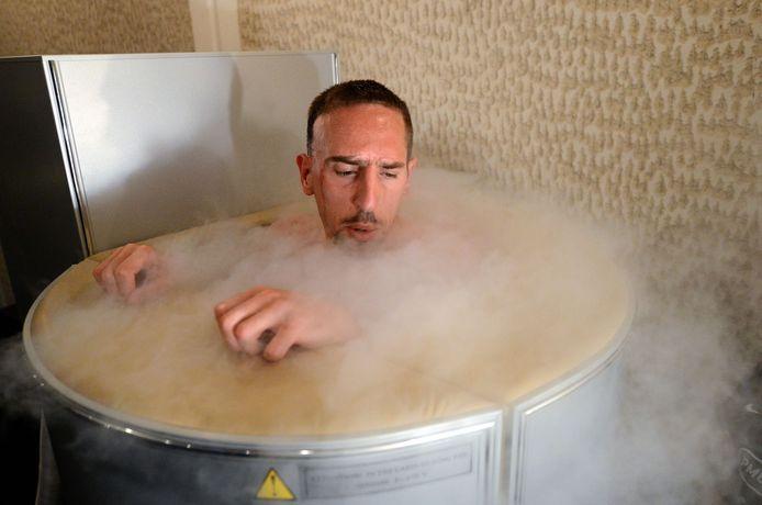 Frack Ribery in het Franse oefenkamp, tijdens het voorbije EK in Oekraïne, ook in de sauna.