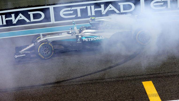 Voor de eerste keer in zijn loopbaan is de 31-jarige Duitse coureur Nico Rosberg wereldkampioen in de Formule 1. Beeld null