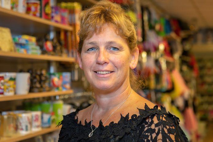 Astrid Vedder van de Oosterhoutse Feestwinkel.