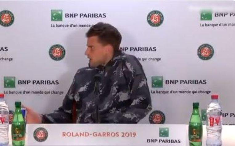 Dominic Thiem keek vol ongeloof toe toen hij de perszaal moest verlaten voor Serena Williams.