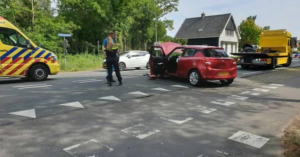 Twee gewonden en flinke file bij aanrijding in Usselo.