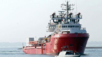 Rome laat twee reddingsschepen aanmeren