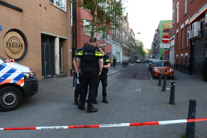 De politie doet onderzoek naar het schietincident.
