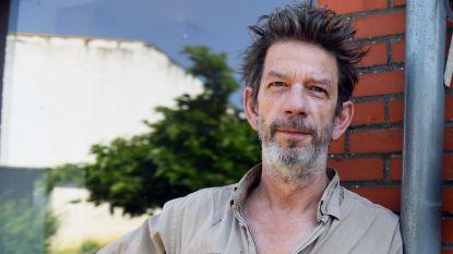 """Chris Dusauchoit haalt uit naar productiehuis Zodiak na gemanipuleerde beelden in 'Huizenjagers': """"Ze verdraaien al jaren de feiten"""""""