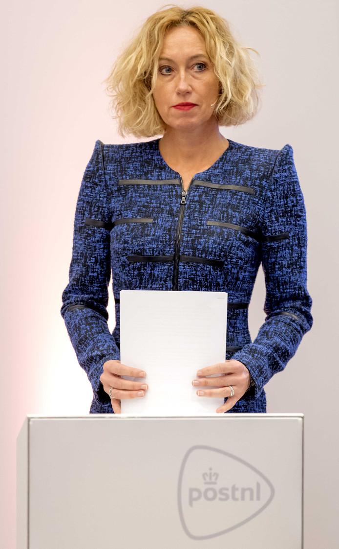 Ceo Herna Verhagen van PostNL ijverde al een jaar lang voor ingrijpen van het Kabinet.