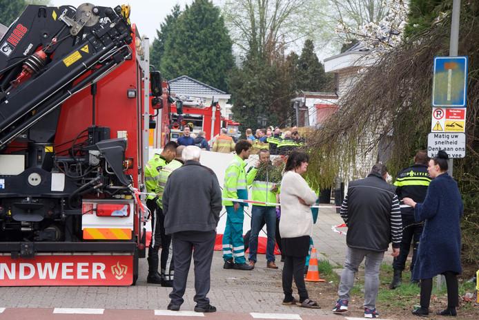 Op het woonwagenkamp Ir. Molsweg zijn bewoners verslagen na de brand waarbij een 5-jarig jongetje omkwam.