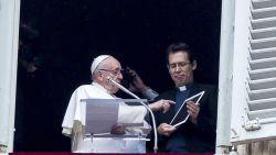 Paus Franciscus heeft eigen app 'Click To Pray'